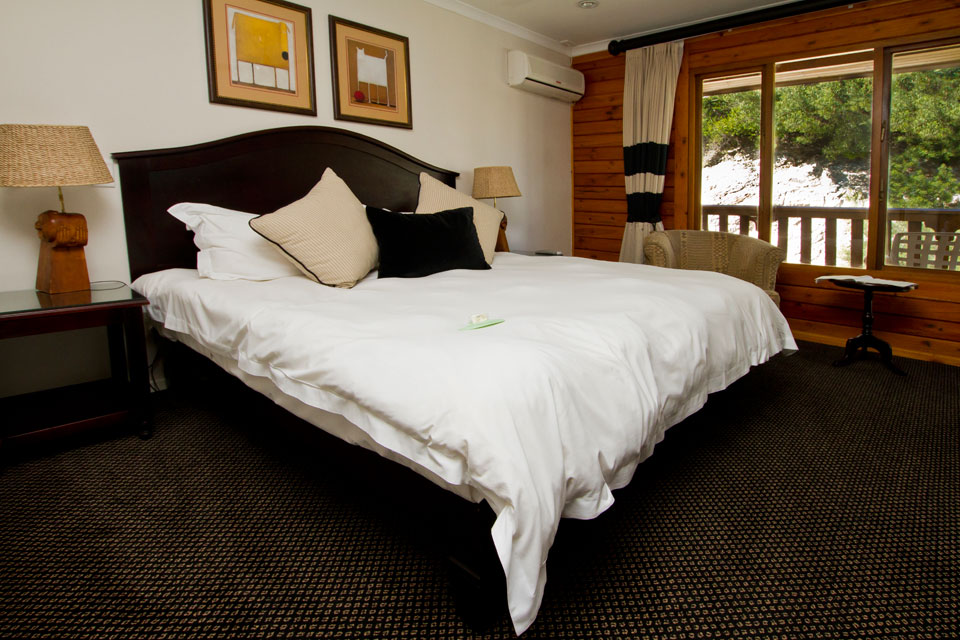 Rooms: 4 Star Luxury Rooms – Kelway Hotel