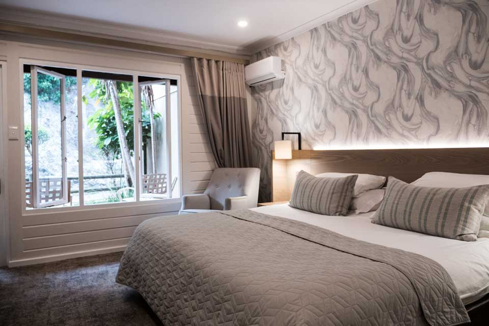 4 Star Luxury Rooms moreover Dettol Mould Mildew Remover together with For Rent Houses Kuruman besides 2015 03 01 archive likewise Longest Train Service Routes In The World. on bathrooms in south africa